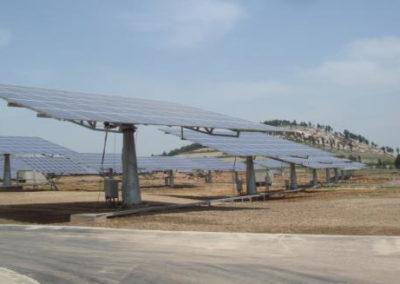 Planta Fotovoltaica con seguidores solares. China,. 20 Mw.